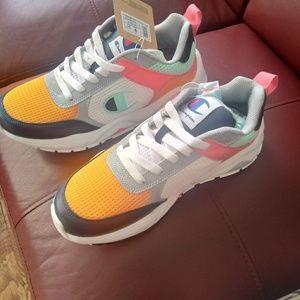 Champion exclusive shoe